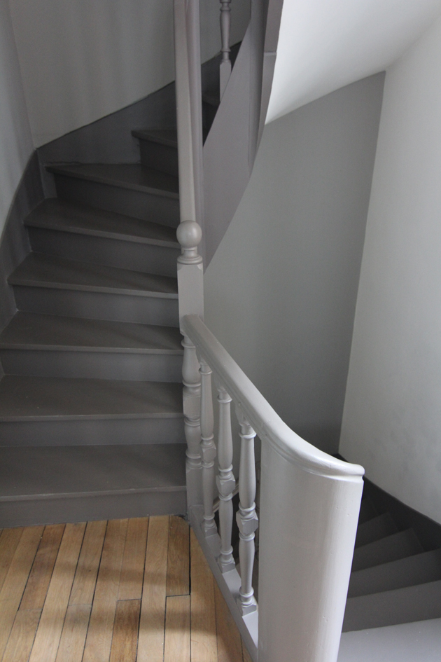Photo escalier peint en gris id e for Renovation carrelage mural
